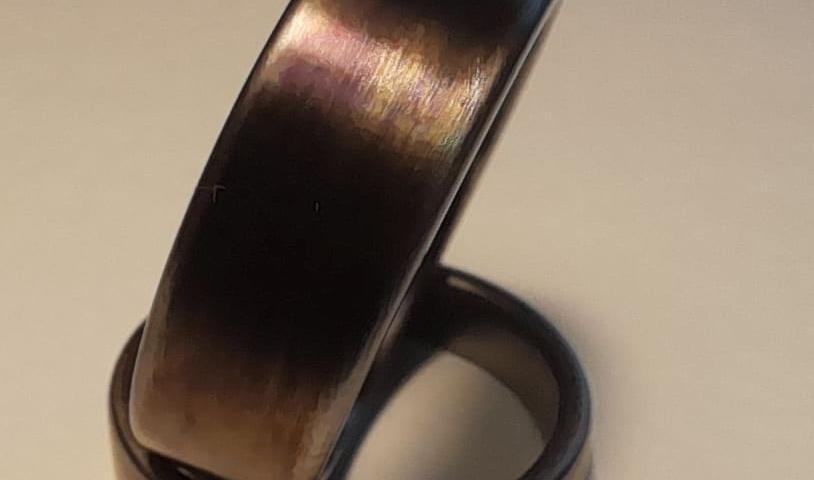 Titaan, timaskus ja nioobium sõrmused. Kullast ja hõbedast valmistatud käsitööna unikaalsed abielusõrmused ja ehted.