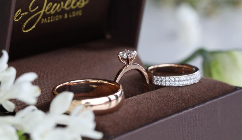 Teemantidega roosa kullaga komplekt